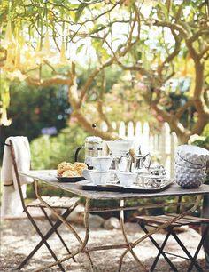 bowl, al fresco dining, tea for two, garden parti, breakfast, teas, gardens, afternoon tea, outdoor tables