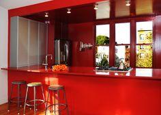 Monochrome kitchen by Wiebenson & Dorman Architects PC