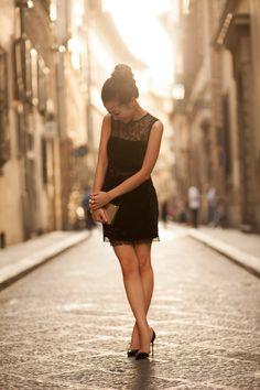 Wendy Nguyen of the blog, Wendy's Lookbook, with Jill Milan's Art Deco clutch.