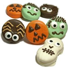 Idea for Halloween Cookies - Oreos Nutter Butters - Autumn Theme Party Favors (DIY with colored melting wafers)