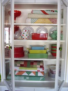 hutch display - cottage style @ joys thoughts and things