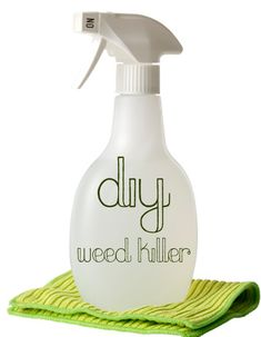 DIY: 3-Ingredient Natural Weed Killer:  salt, vinegar and dish soap. Yard, here I come...