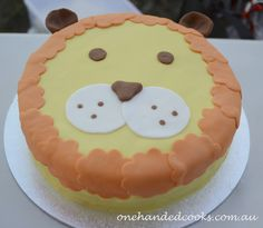 kids party food: lion cake #onehandedcooks #lioncake #party