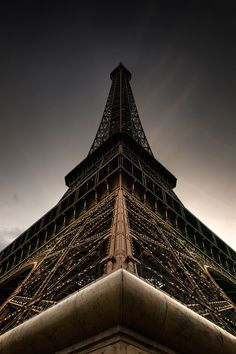 One of the best modern day dusk photographs I have seen of the Eiffel Tower. Amazing !!