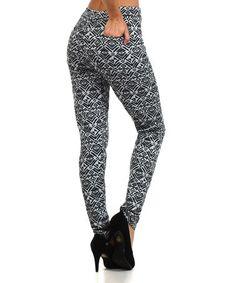 Loving this Black & White Geometric Back-Pocket Leggings on #zulily! #zulilyfinds