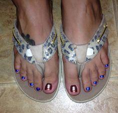 Football Toes nail art