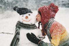 snowman kiss
