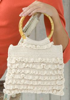 Ruffle Purse #crochet #pattern #favecrafts