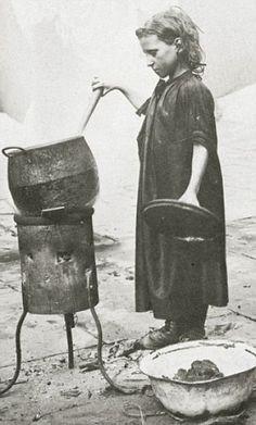 100-Year-Old Photos of Destitute East End Children.  Taken by Horace Warner in 1912 in Spitalfields England.