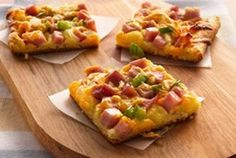 Ham and Cheese Crescent Snacks  http://www.tablespoon.com/recipes/ham-and-cheese-crescent-snacks-r... hams, food, snack recipes, crescent rolls, crescents, green peppers, snacks, crescent snack, chees crescent