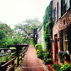 georgetown in the rain - love the bricks and canal and such.