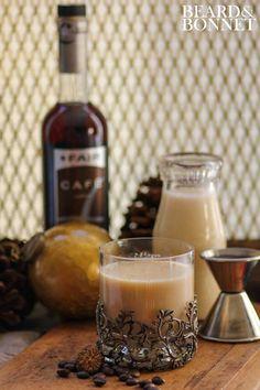 Eggnog Latte Cocktail {Beard and Bonnet} #glutenfree #vegan latt cocktail