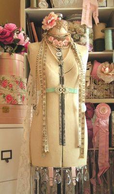 vintage dress form craft-sewing-ideas  #jessicamcclintock_inspiration #designer #vintage #dress_form