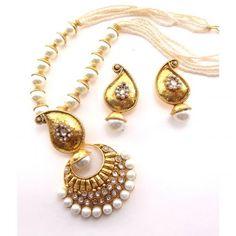 Paisley and pearl set