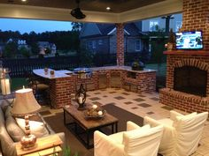Outdoor kitchen with #big green egg and #evo grills