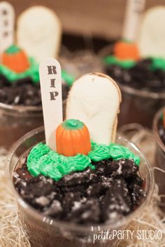 Halloween Dirt Cups - Petite Party Studio