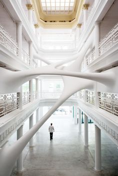 Browse everything from furniture and tiles to dresses and shoes in the #Miami #Design District—home to this Zaha Hadid installation in the Moore Building.