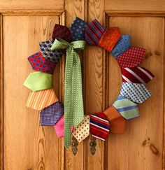 great fathers day wreath, and my dad has plenty of ties i can steal. 22 Men's Necktie Crafts – A Great Sewing Project POSTED BY CRAFTYAMY ON OCTOBER 20TH, 2011 AT 10:57 AM