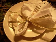beautiful napkin fold and ribbon