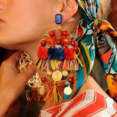 dolce‐and‐gabbana‐ss‐2013‐women‐fashion‐show‐runway‐backstage‐sicily‐folk‐photo‐041.jpg 356×356 pixels