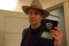 "Not lying, pretty excited about the Justified season premiere tonight. I don't care what else you watch but if you're not watching that, you're doing TV wrong. Justified @ 10pm, FX: Tonight's episode ""Hole in the Wall"" is supposed to reveal some Givens family secrets. The Lying Game @ 9pm,…"