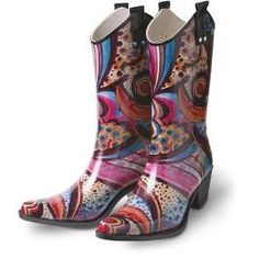 I sooooo want these rain boots!