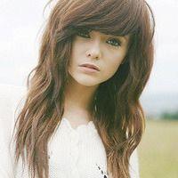 I really like her bangs :)