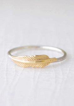 Delicate feather ring