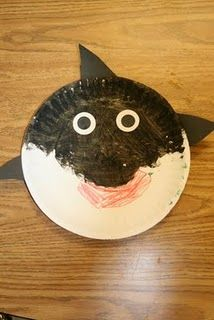 paper plate killer whale paper plate art, ocean crafts, killer whales, ocean unit, the ocean, ocean themes, paper plate crafts, preschool art projects, paper plates