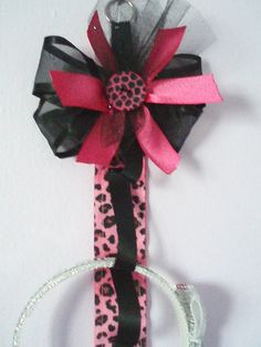 Headband Holder  by EverlastingsBySue on Etsy, $14.99