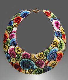 Spirals embroidered collar