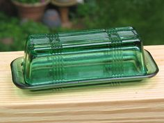Butter Dish - Vintage 'criss cross forest green' HAZEL ATLAS $25USD