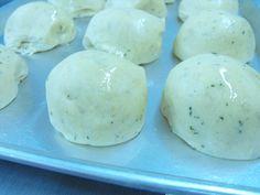 Naan bread using pizza dough    http://mindfullyspiced.com/2013/04/26/naan-bread-using-pizza-dough/