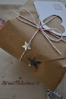 packaging or wrapping cadeau