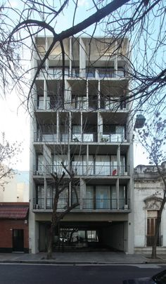 Edificio EEUU 4263 / BAK Arquitectos