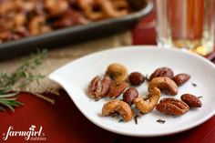 {easy!} spiced rosemary and thyme nuts - www.afarmgirlsdabbles.com