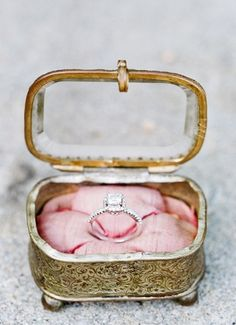 vintage ring box.