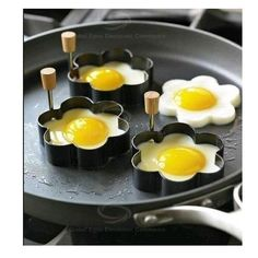 Stainless Steel Fried Eggs Mold with Flower Shape - Silver China Wholesale - ahappydeal.com
