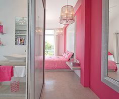 Pink Walls, gorgeous.