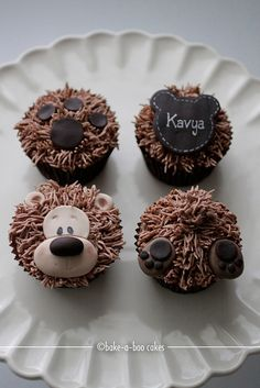 Brown bear cupcakes closed-up by Bake-a-boo Cakes NZ, via Flickr