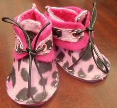 Newborn baby shoes.