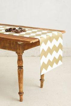 Gold chevron table runner. i'm in love!