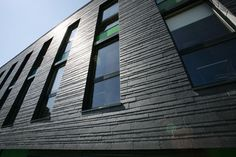 natural stone facade cladding: slate DYNAMIC Rathscheck  Schiefer (www.rathscheck.de)