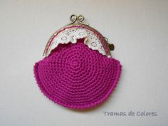 Monedero tejido a crochet.