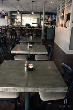 Zinc table inspiration that you could make yourself using the Amy Howard At Home Zinc Solution #diy #diyproject #zinc