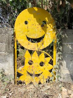 I so want this Happy gate in my front garden!