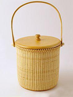 Style Icon Jennifer Boles of The Peak of Chic's Favorite Classics: Nantucket Ice Bucket