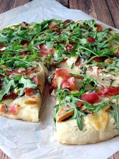 Pear, Prosciutto and Arugula Pizza   YummyAddiction.com