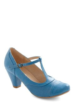 I want these T-strap shoes!