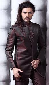 Deciding personality of men is their dressing sense.